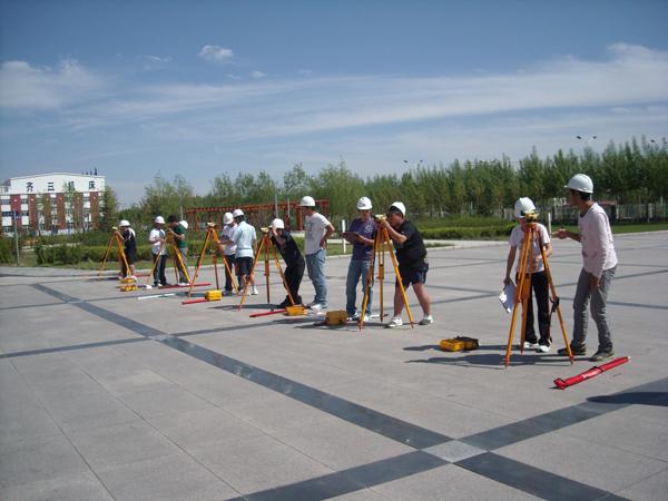 成都希望职业学校建筑工程管理专业